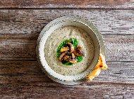 Рецепта Вкусна крем супа (кремсупа) с гъби, картофи, спанак и елда